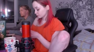 You are watching the live cam of Duff_buffs from Chaturbate - 20 years old - Wonderland
