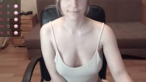 You are watching the live cam of Xxxlina from Chaturbate - 21 years old - Romania